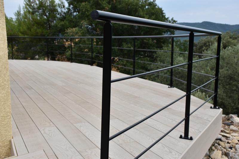 garde corps en fer forg style bateau auriol dans le 13. Black Bedroom Furniture Sets. Home Design Ideas