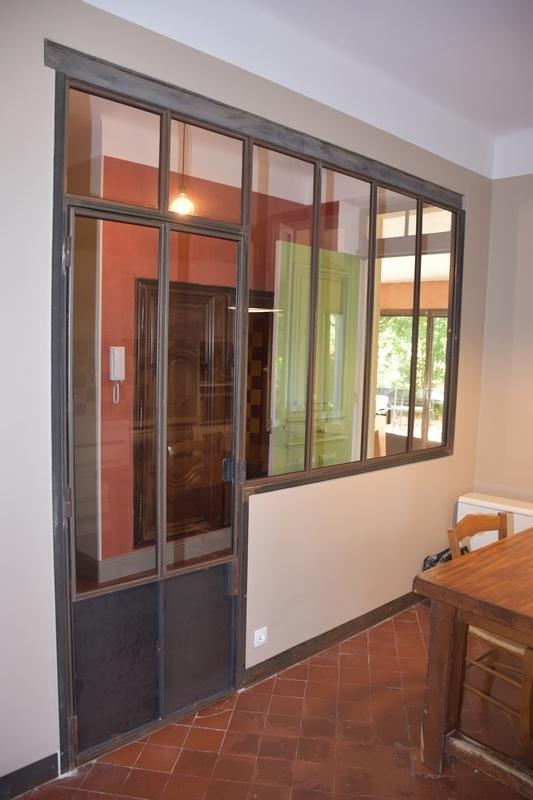 Verriere style atelier avec porte battante marseille for Verriere avec porte