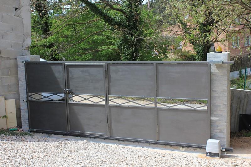 Portail avec portillon integre top porte de garage avec - Portail avec portillon integre ...