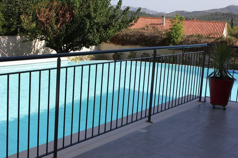 barriere piscine gris anthracite cadolive aubagne marseille gemenos ciotat cassis cuges les pins. Black Bedroom Furniture Sets. Home Design Ideas
